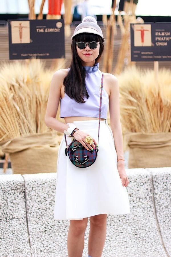 crop-top váy xòe quyến rũ