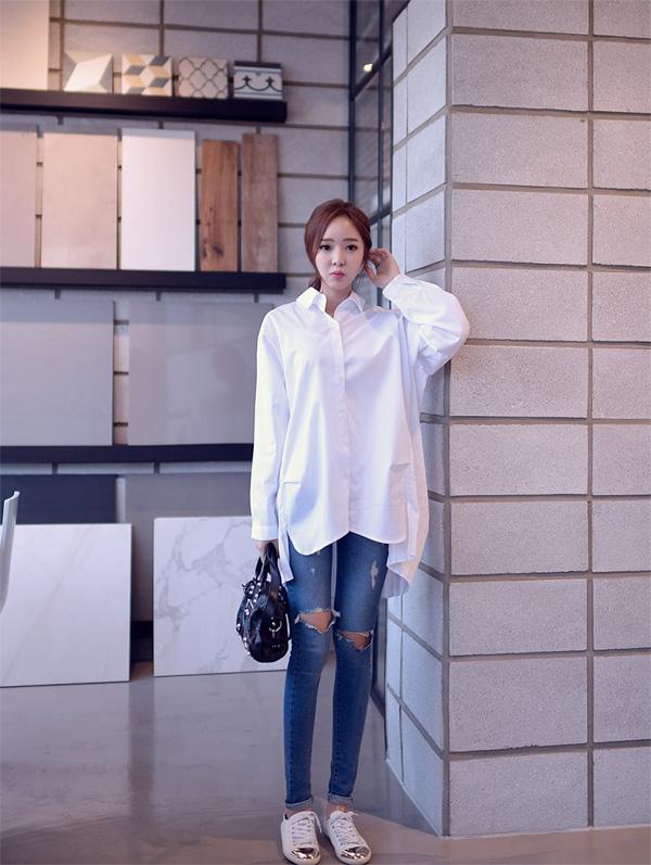 quần jean rách với áo demi cực chất