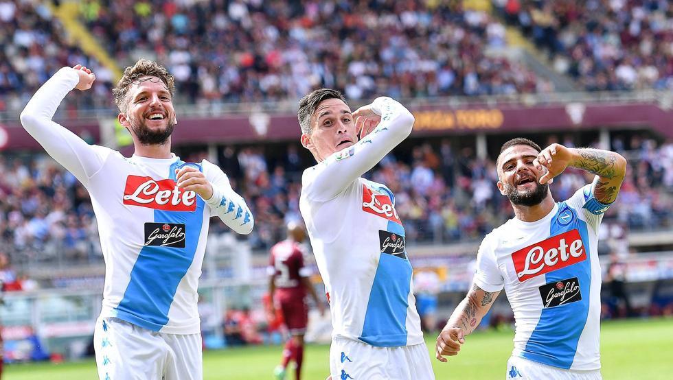 Napoli bùng nổ 3 phút cuối đánh bại Chievo