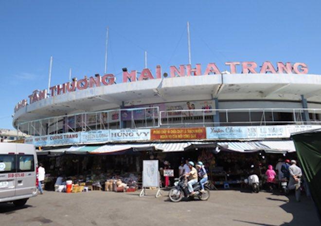 Trải nghiệm du lịch Khánh Hòa với chợ Đầm