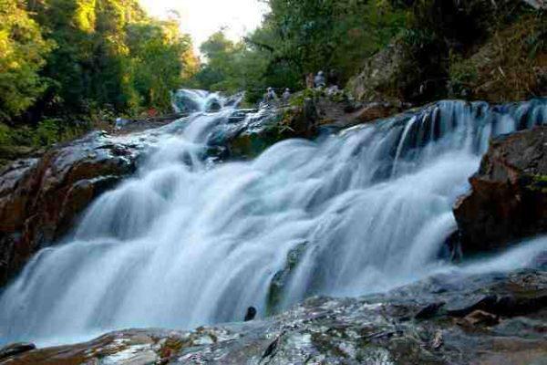 7 thác nước nổi tiếng Việt Nam địa điểm lý tưởng cho giới trẻ sống ảo
