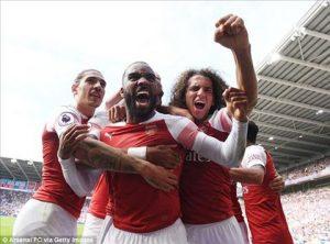 Merson cho rằng Arsenal cần sử dụng cặp Lacazette - Aubameyang nhiều hơn