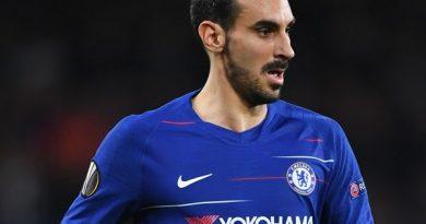 Chelsea chính thức chia tay hậu vệ Zappacosta