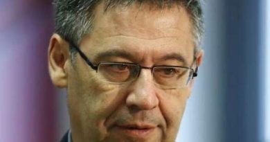 CĐV Barcelona yêu cầu chủ tịch Bartomeu từ chức