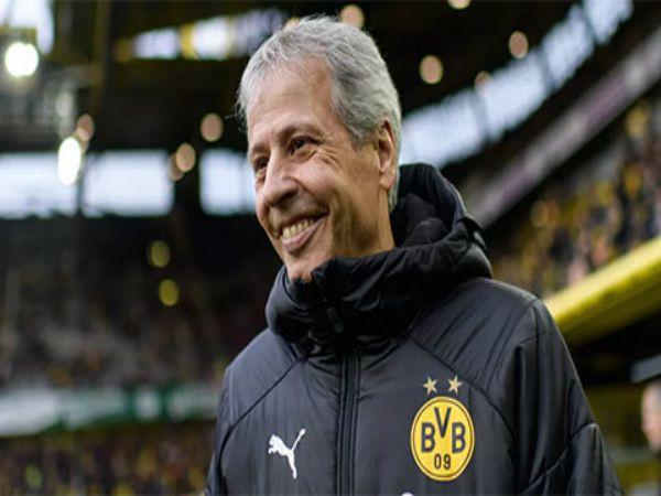 Favre phủ nhận sắp rời Dortmund