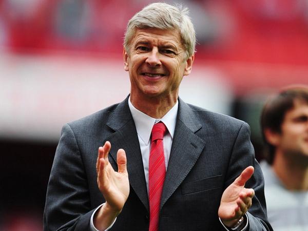 Tin Arsenal 4/8: Arsene Wenger tính chuyện tái xuất nghề huấn luyện
