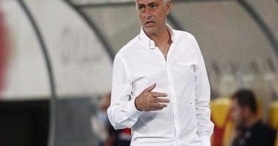 Tin thể thao 28/9: Mourinho nổi giận sau phán quyết VAR