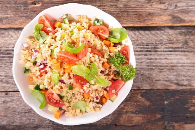 Quinoa Địa Trung Hải - Salad giàu chất xơ