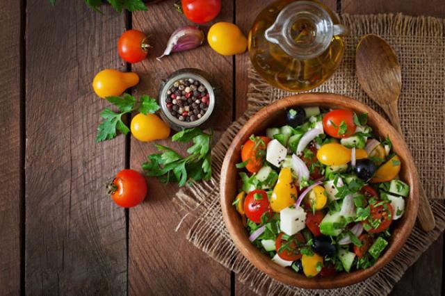 Xà lách Hy Lạp để giảm cân