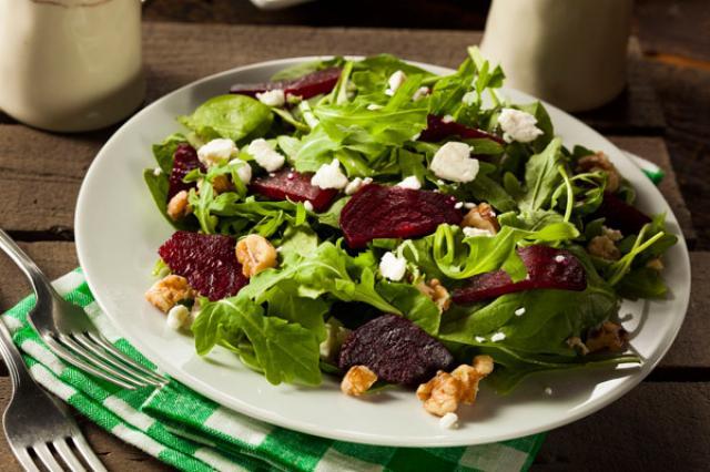 Salad củ cải đường để cải thiện tuần hoàn máu